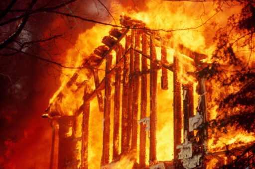 В Омске при пожаре погибли дети